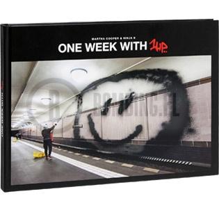 urban-media-one-week-with-1up-buch-1330-medium-0
